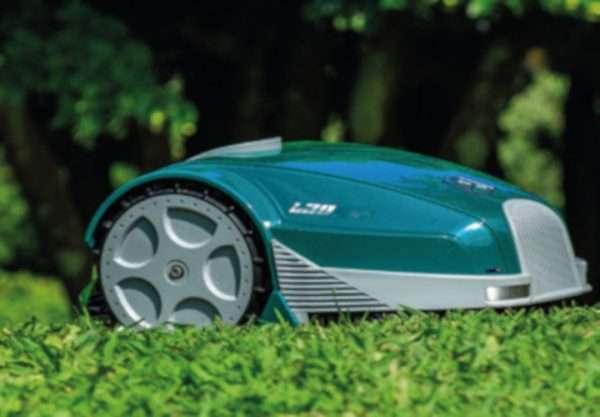 Ambrogio L30 on grass